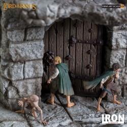 Frodo Sam i Gollum ukrywający się przez Nazgulem na Upadłej bestii