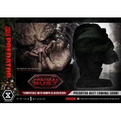 statua predator maska z bliska